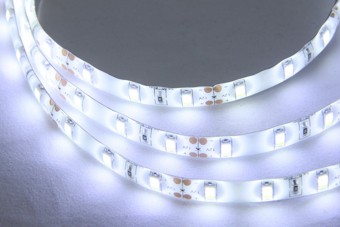USB LED bílý pás 5m, RGB - nové - 399 Kč